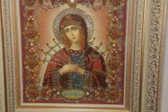 Образа в каменьях икона Богородица Семистрельная вышитая икона