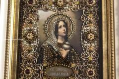 Образа в каменьях икона Святая Мария Магдалина икона в багете