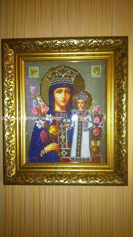 Образа в каменьях икона Богородица Неувядаемый цвет фото готовой работы