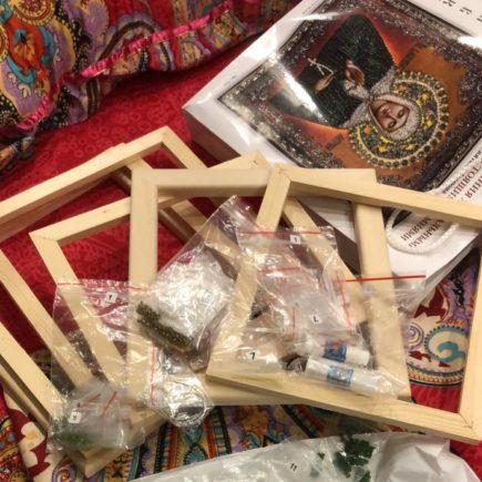 рамка-пяльцы в подарок